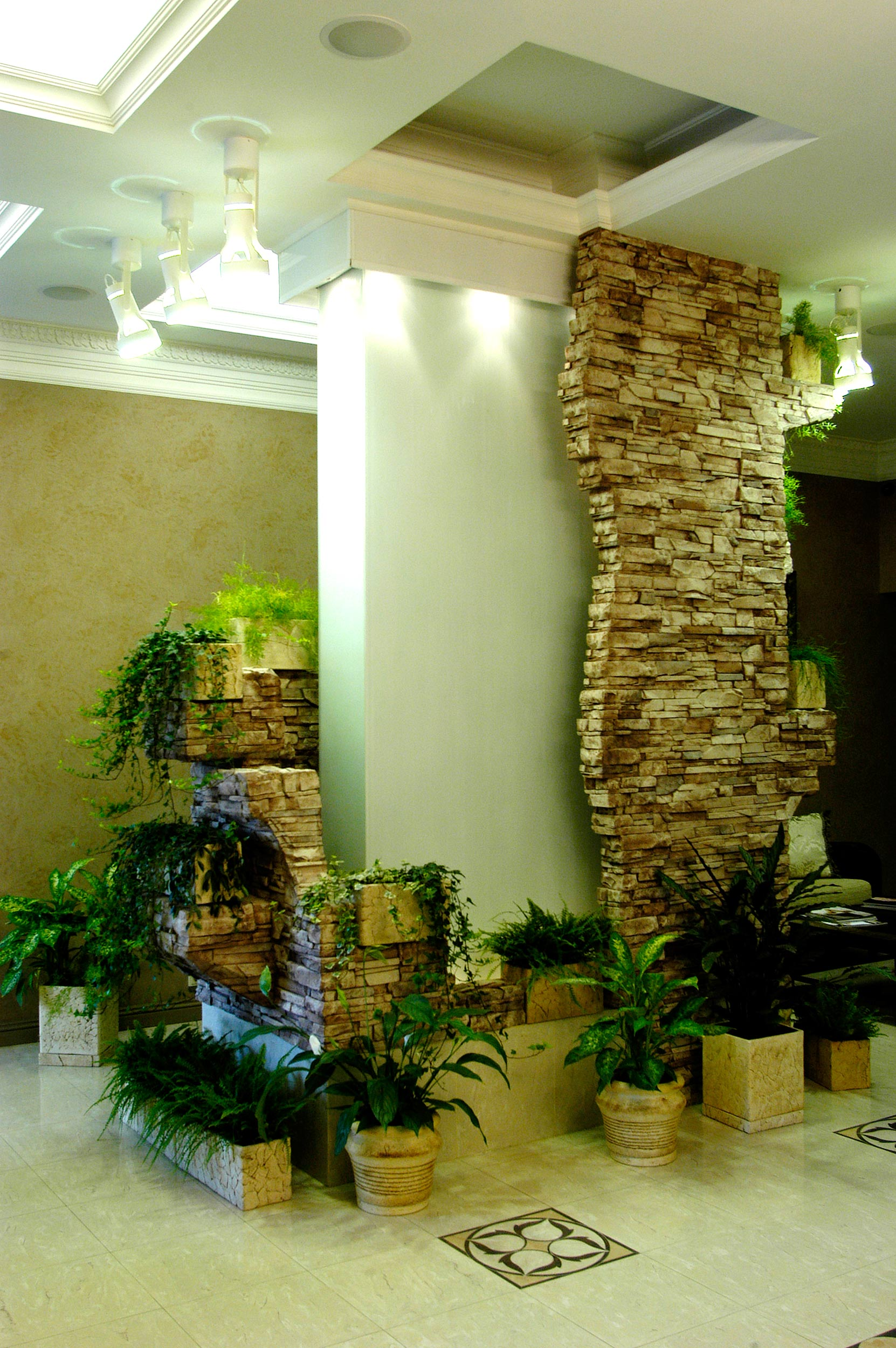 Комнатный водопад своими руками фото